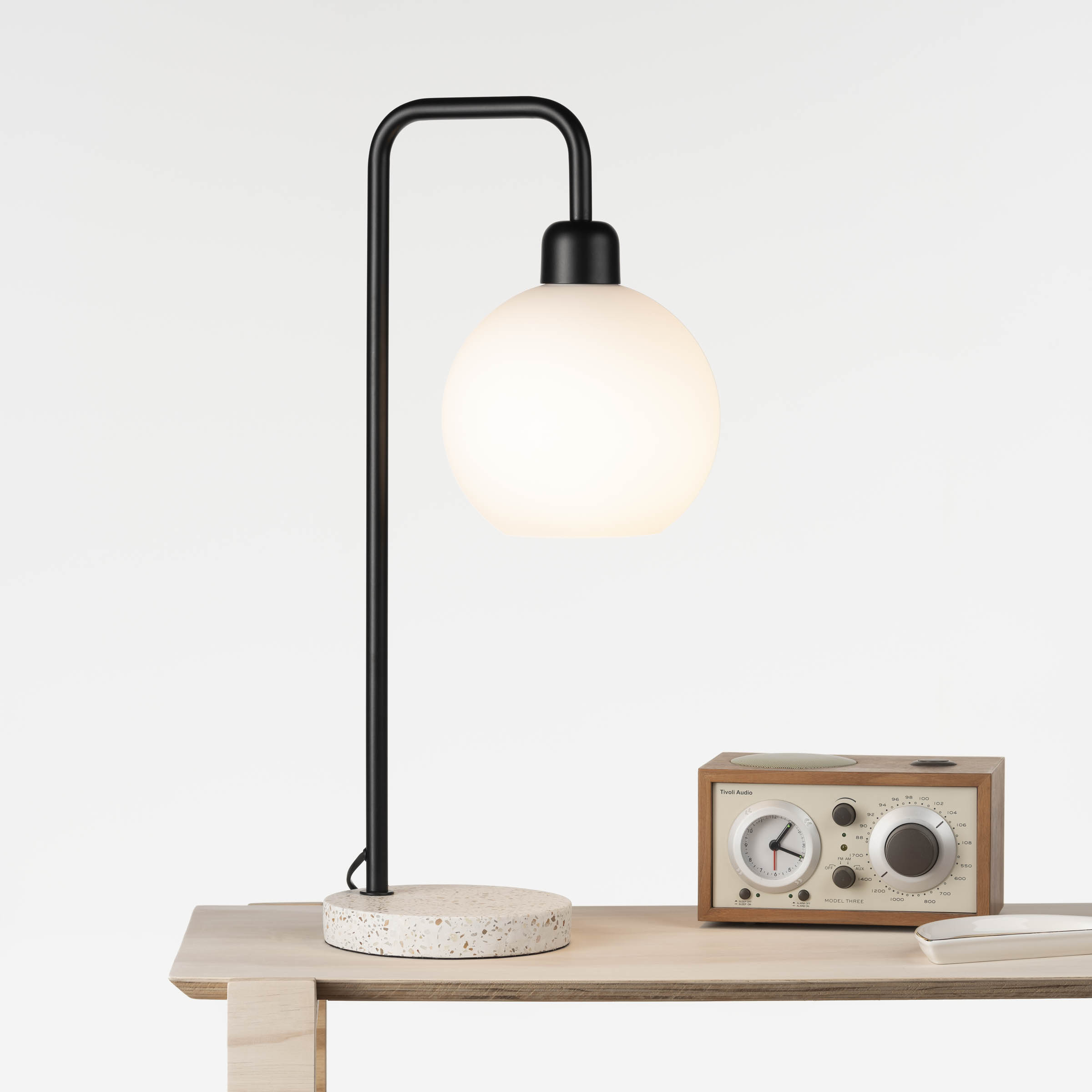 Noomi Desk Lamp
